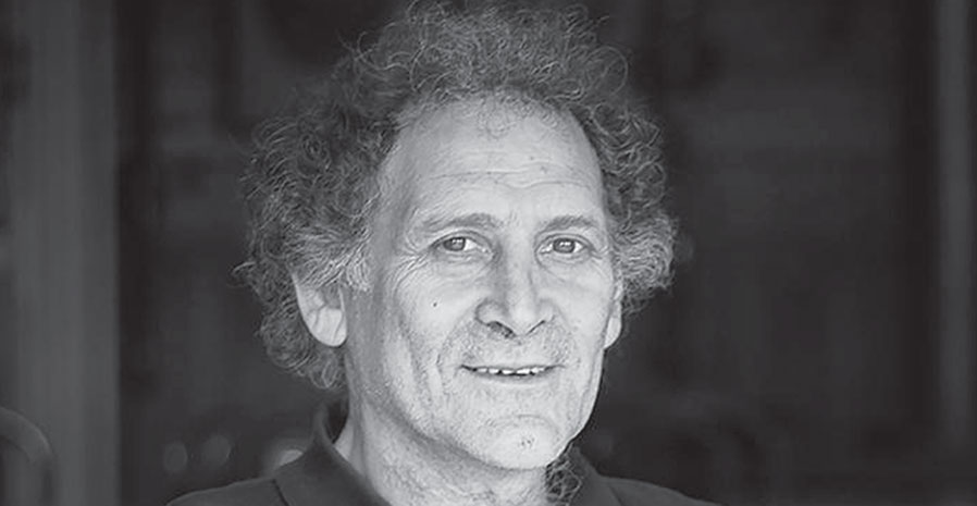 Black and white photo of Arnold Zable