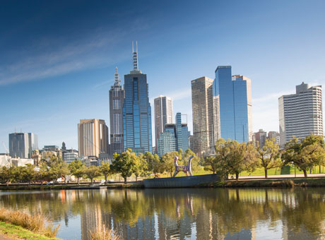 Melbourne city buildings and the Yarra river