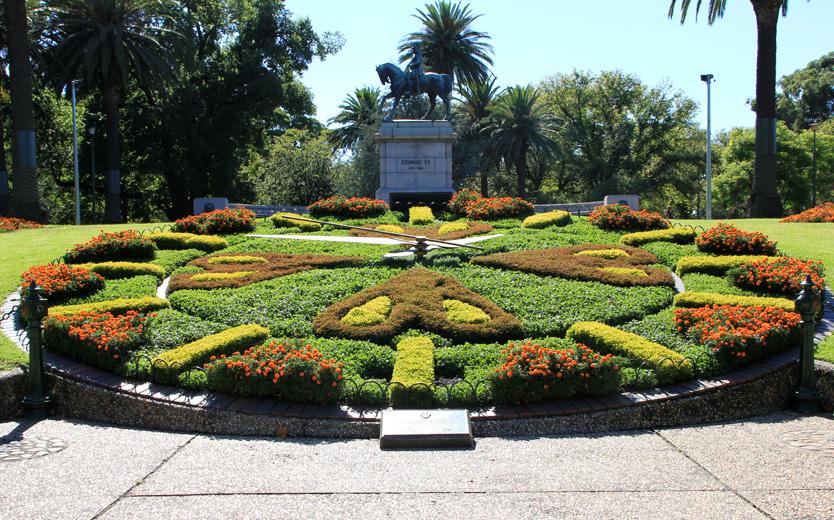 Queen Vic Gardens - Floral Clock